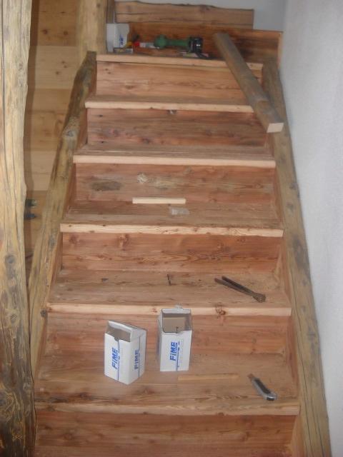 Scale in legno per baite e alloggi parquet e pavimenti - Scale in legno interne ...